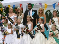 Annesley after crowning the Hazel Grove Carnival Queens 2009